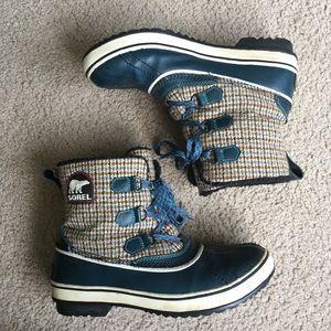 Sorel short plaid blue brown waterproof snow boots